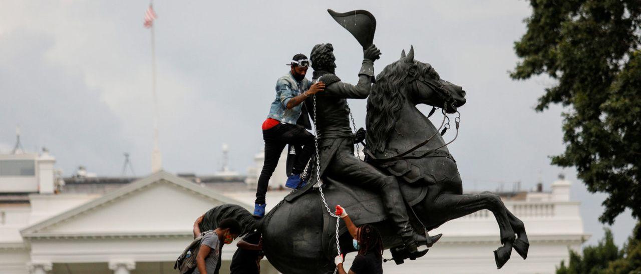 USA Antifa vandalizmus rúca sochy