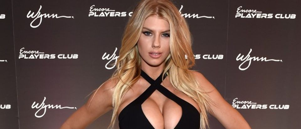 Charlotte McKinney's cleavage. (Photo: Getty Images)