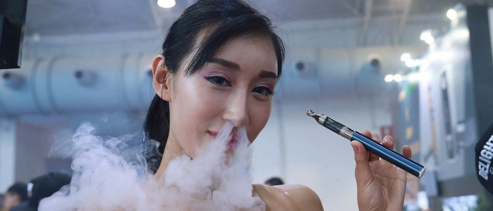 CHINA-ECONOMY-VAPE-EXPO