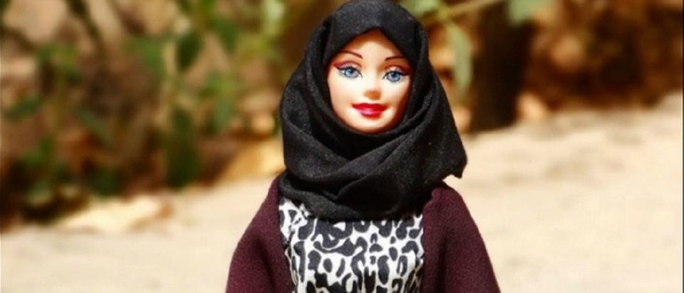 hijarbie YouTube screenshot/Bunalim Koala