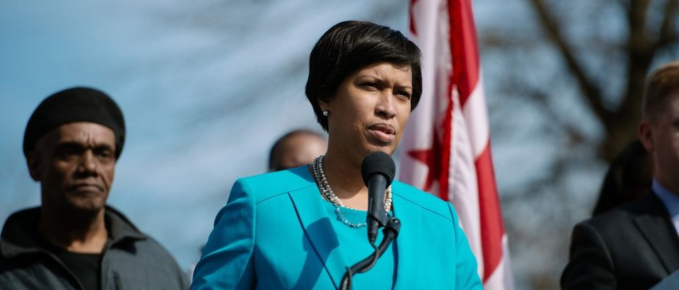Mayor Muriel Bowser's announcement about intersection improvements in Ward 8. (Credit: Street Sense | Photo by Matailong Du/Flickr, no changes made) https://www.flickr.com/photos/street_sense/16776151405/