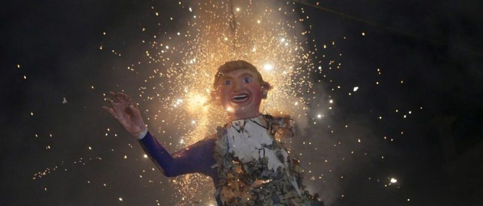 Mexicans celebrating an Easter ritual burn an effigy of U.S. Republican presidential hopeful Trump in Mexico City