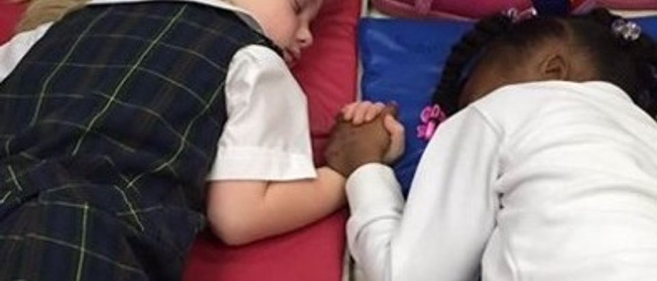 The Internet Is Going Crazy Over This Adorable Photo Of Napping Pre-Schoolers (photo: Presbyterian Day School, Facebook, https://www.facebook.com/237050929695634/photos/a.279843208749739.65344.237050929695634/1005408499526536/)