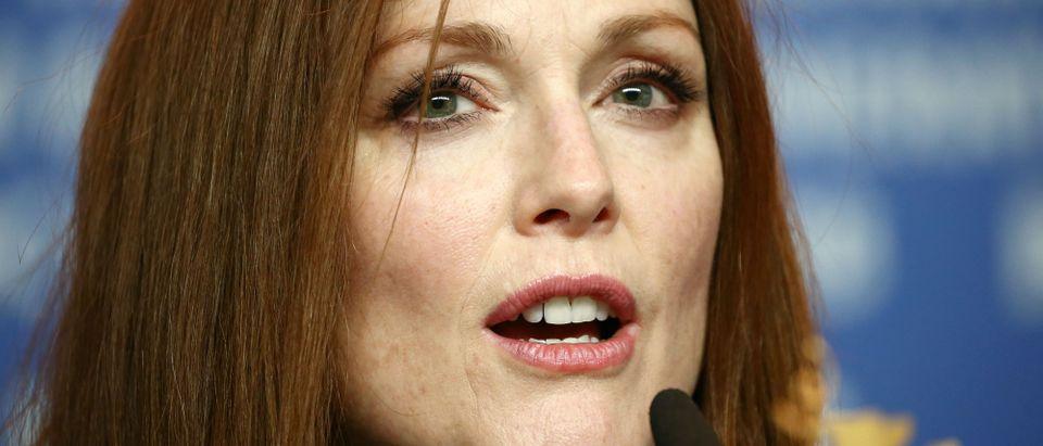 Julianne Moore wants stricter gun control