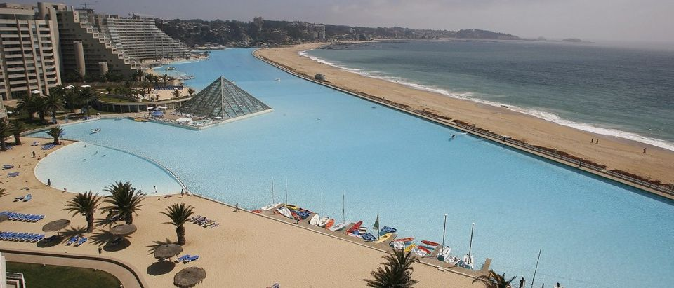 A view of a giant swimming pool (REUTERS/Eliseo Fernandez)
