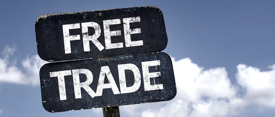 Free Trade sign with clouds and sky background Credit: Shutterstock/ Gustavo Frazao