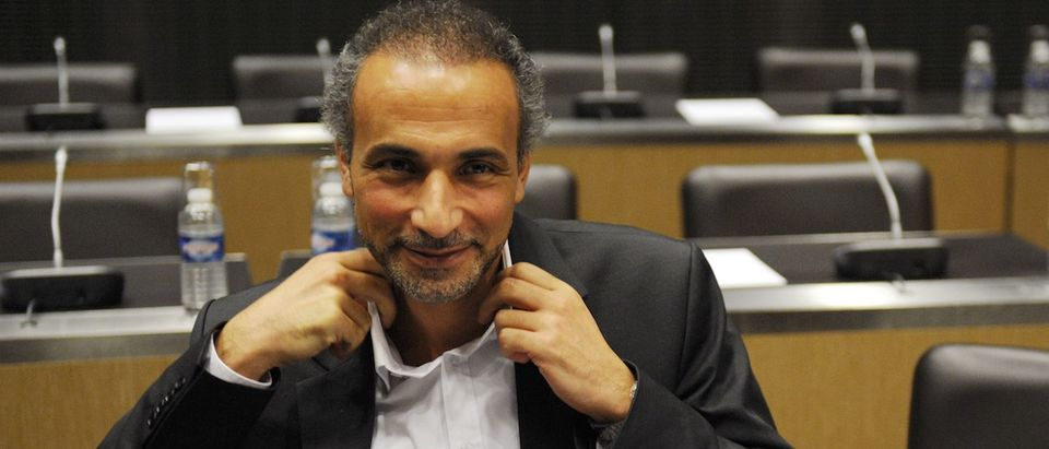 Swiss philosopher Tariq Ramadan attends a French parliamentary hearing at the National Assembly in Paris December 2, 2009. REUTERS/Philippe Wojazer