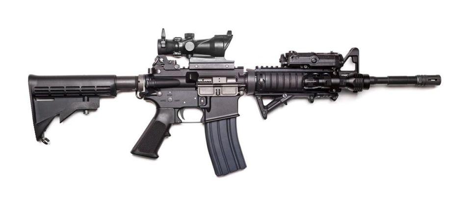 AR-15 (Credit: Shutterstock)
