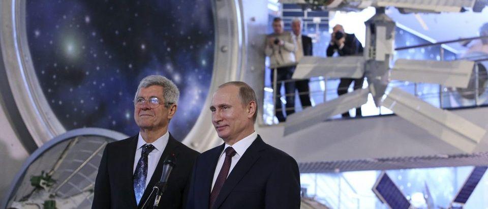 Putin visits the Cosmonautics Memorial Museum in Moscow