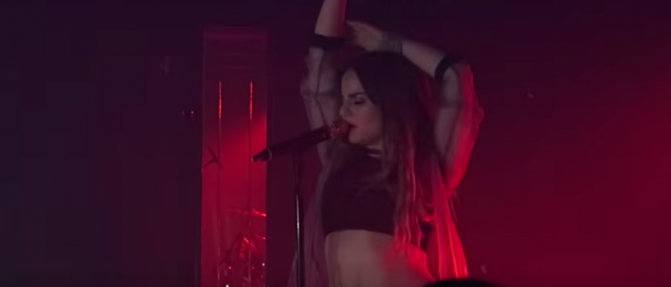 JoJo performing in New York City in 2015 (YouTube screenshot)