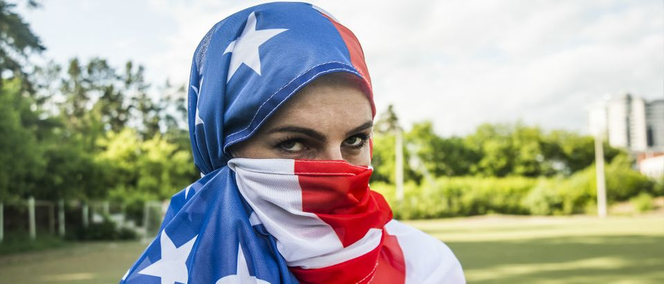 Muslim USA flag burqa Shutterstock/maradon 333