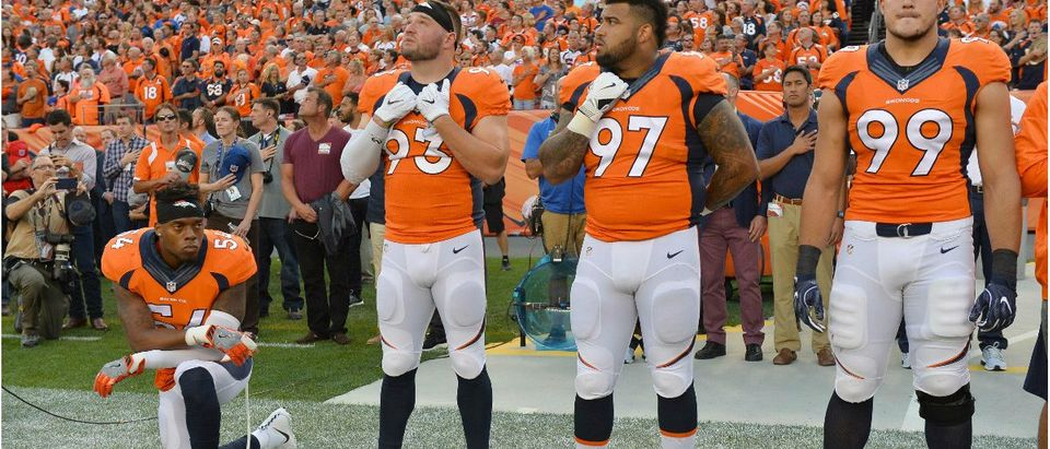Marshall Kneels During Anthem: Ron Chenoy-USA TODAY Sports