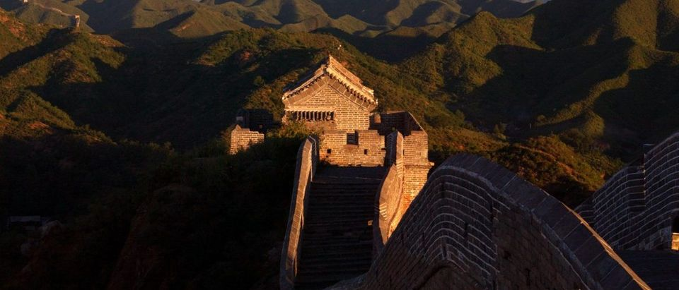 VIEW OF MORNING LIGHT ON THE JIN SHAN SECTION OF THE GREAT WALL ONTHE OUTSKIRTS OF BEIJING.