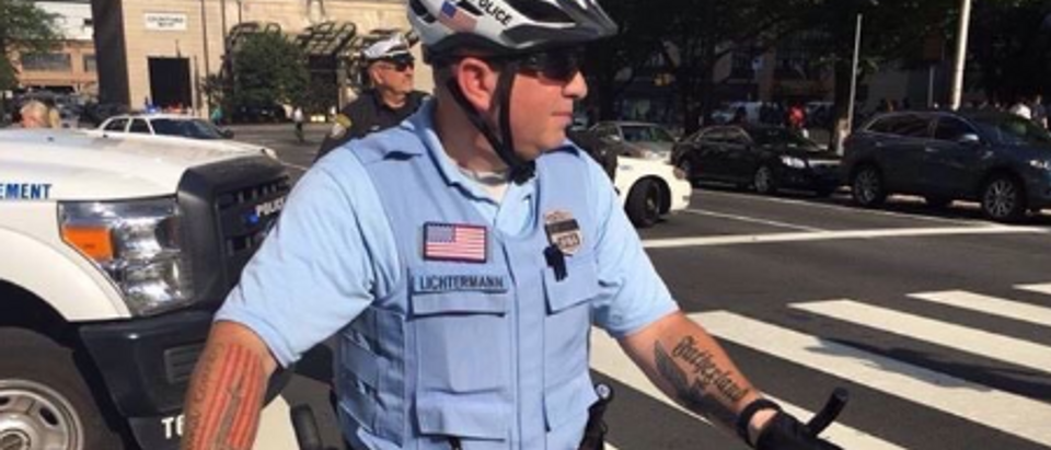(Photo: Officer Ian Litchermann/Philadelphia/ Twitter screen shot)