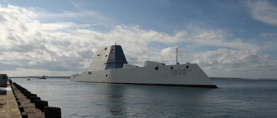 USS Zumwalt ports briefli in Rhode Island before heading to its commissioning ceremony
