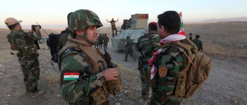 Peshmerga forces gather in the east of Mosul to attack Islamic State militants in Mosul