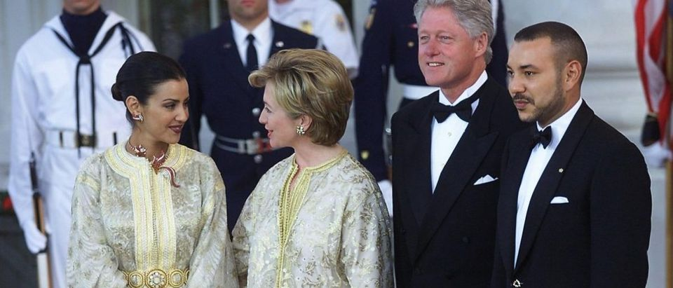US President Bill Clinton (2nd R) and US First Lad