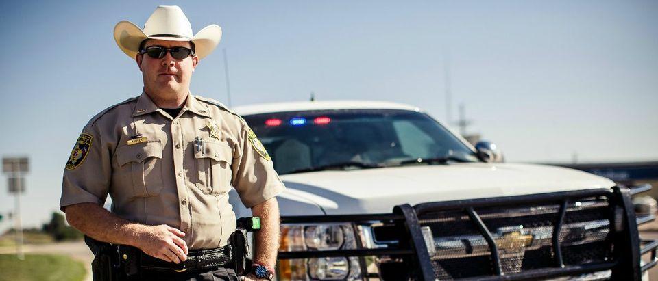 texas-cop-andrey-baydashutterstock-com
