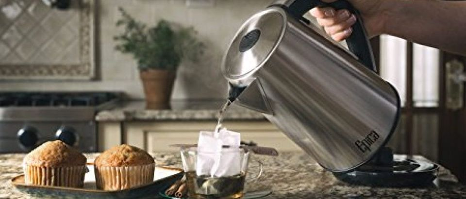 This Epica kettle is on sale for $40 (Photo via Amazon)