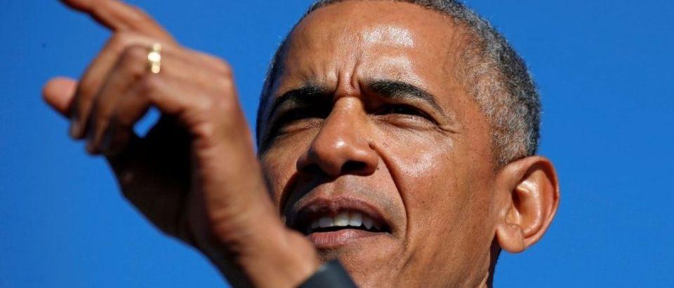 Obama campaigns for Hillary Clinton in Michigan