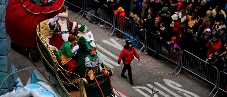 A Santa Claus makes its way down 6th Avenue during the 90th Macy's Thanksgiving Day Parade in the Manhattan borough of New York, U.S. November 24, 2016. REUTERS/Saul Martinez
