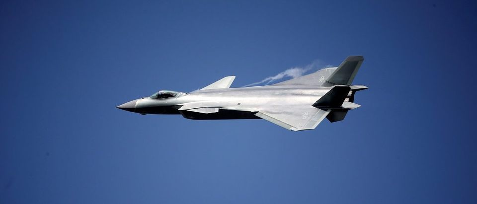 China unveils its J-20 stealth fighter on an air show in Zhuhai