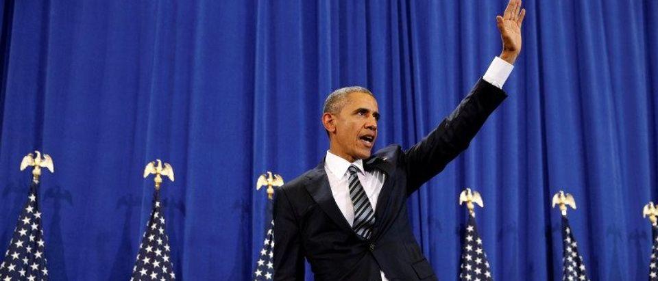 Obama visits MacDill Air Force Base in Tampa, Florida