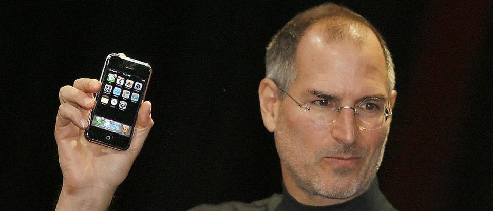 Apple chief executive Steve Jobs unveils