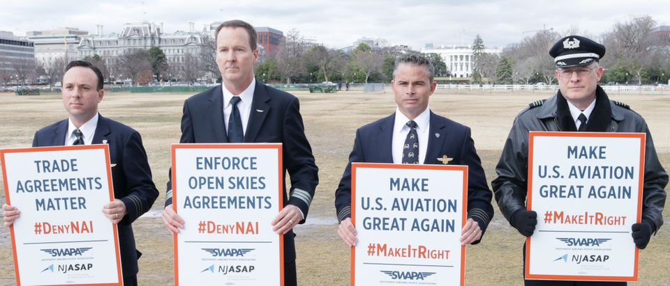 Southwest Airlines and NetJets pilots protest (Photo: Screenshot/Daily Caller Video)