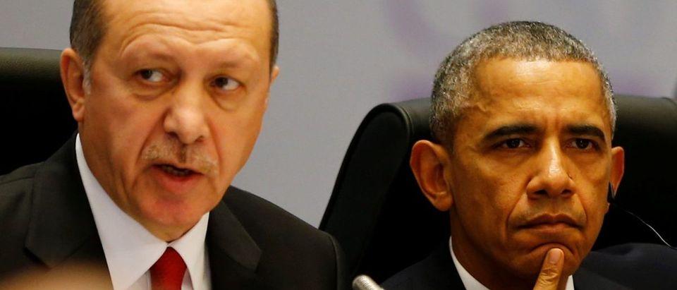 Turkey's President Tayyip Erdogan and U.S. President Barack Obama attend a working session at the Group of 20 (G20) summit in the Mediterranean resort city of Antalya, Turkey, November 15, 2015. REUTERS/Murad Sezer/File Photo