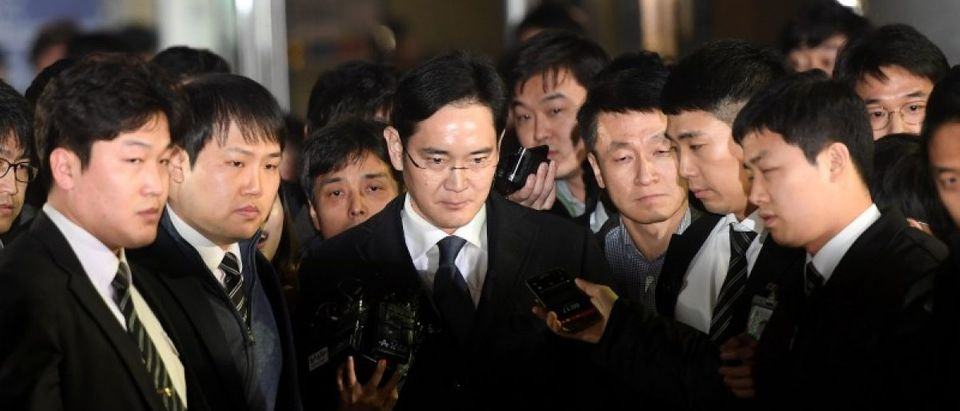 Samsung Group chief, Jay Y. Lee, leaves the Seoul Central District Court in Seoul