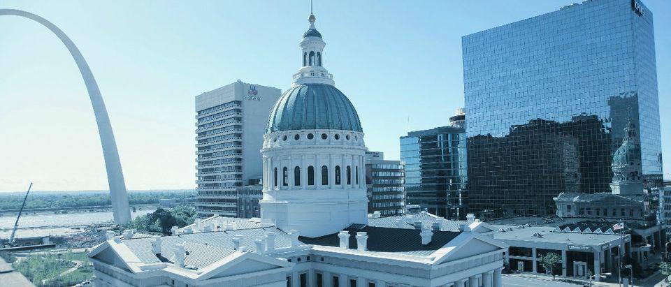 St. Louis, Missouri: Sneher/Shutterstock