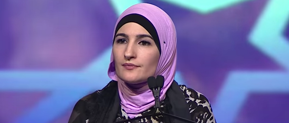 Linda Sarsour at MAS-ICNA convention (Youtube screen grab)
