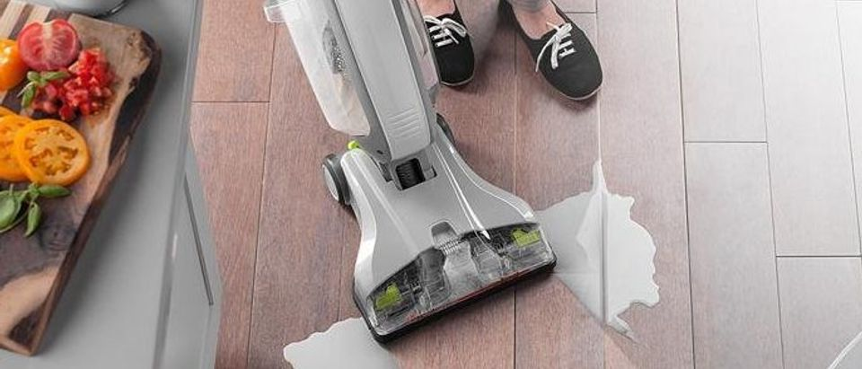 This promises to get the dirt mopping leaves behind (Photo via Amazon)
