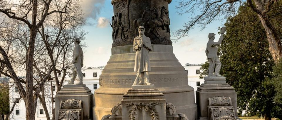 Monument honoring Confederate soldiers in Montgomery, Alabama (Shutterstock/JNix)