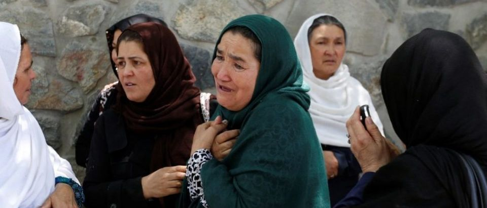Afghan women mourn outside a hospital after a blast in Kabul, Afghanistan May 31, 2017. REUTERS/Mohammad Ismail