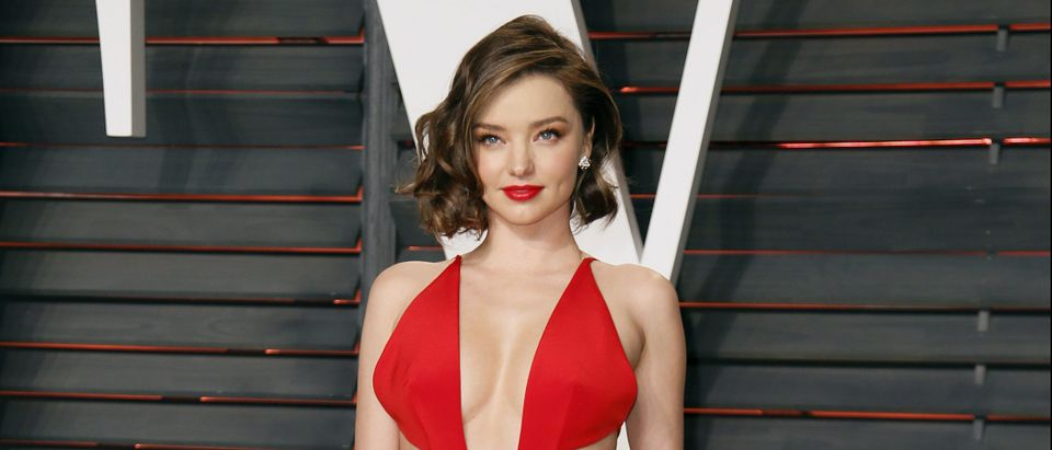 Miranda Kerr arrives at the Vanity Fair Oscar Party in Beverly Hills, California February 28, 2016. REUTERS/Danny Moloshok
