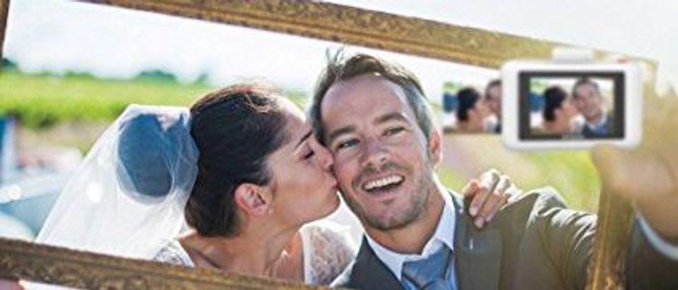 Polaroids are the latest trend in weddings (Photo via Amazon)
