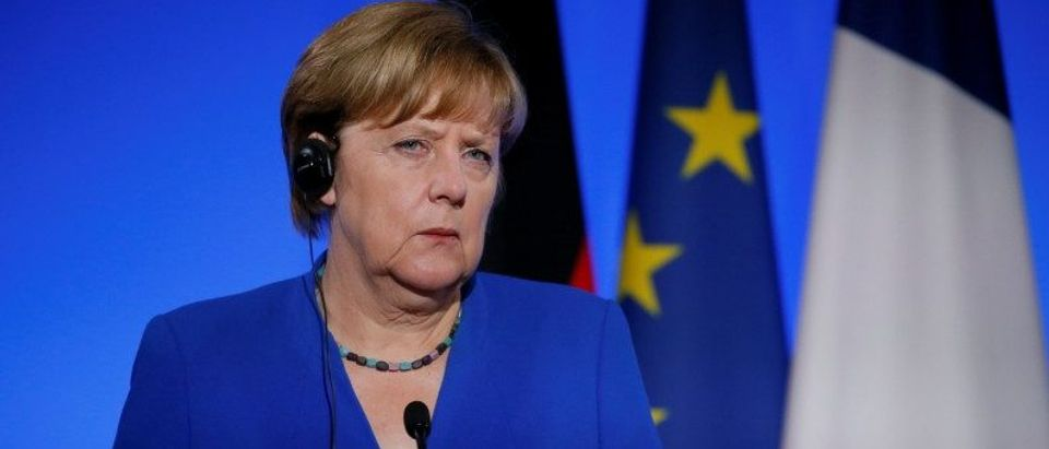 German Chancellor Angela Merkel attends a news conference following a Franco-German joint cabinet meeting at the Elysee Palace in Paris, France, July 13, 2017. (REUTERS/Gonzalo Fuentes)