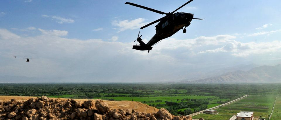 UH-60 Blackhawk Landing