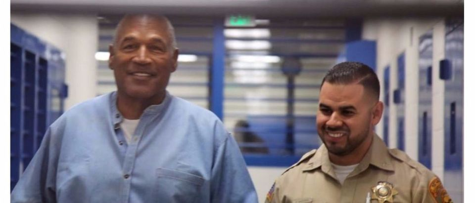 O.J. Simpson (L) arrives for his parole hearing in at Lovelock Correctional Centre in Lovelock, Nevada, U.S. July 20, 2017. (Sholeh Moll/REUTERS)