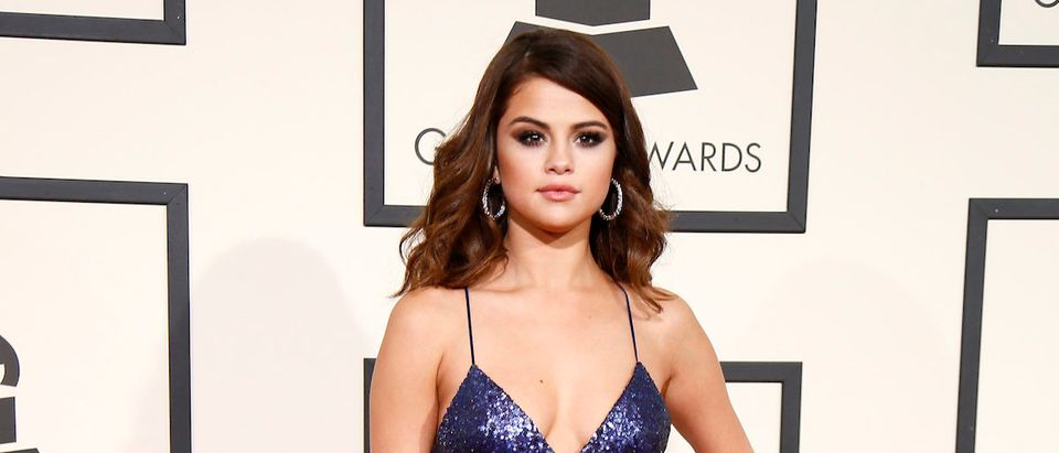 Selena Gomez (Photo Credit: REUTERS/Danny Moloshok) Selena Gomez arrives at the 58th Grammy Awards in Los Angeles