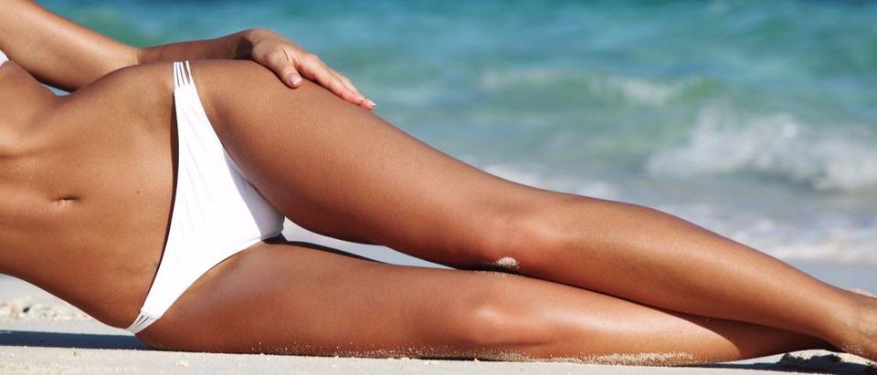 bikini legs Shutterstock/Yellowj