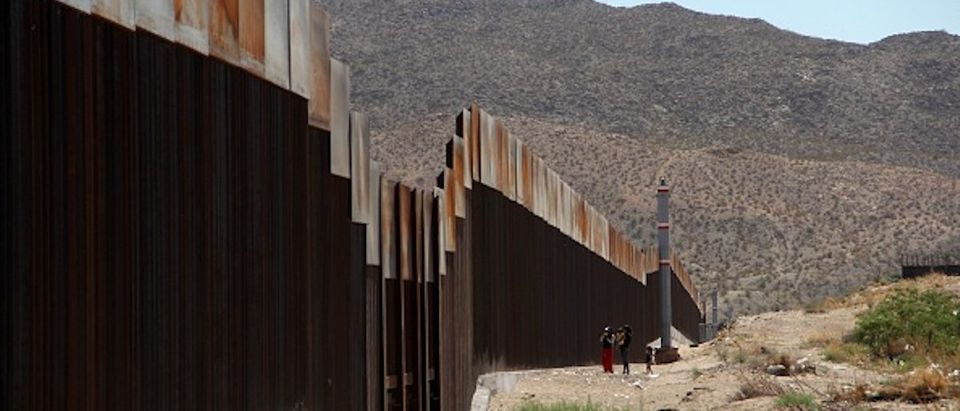TOPSHOT-MEXICO-US-BORDER-WALL(Photo credit: HERIKA MARTINEZ/AFP/Getty Images)