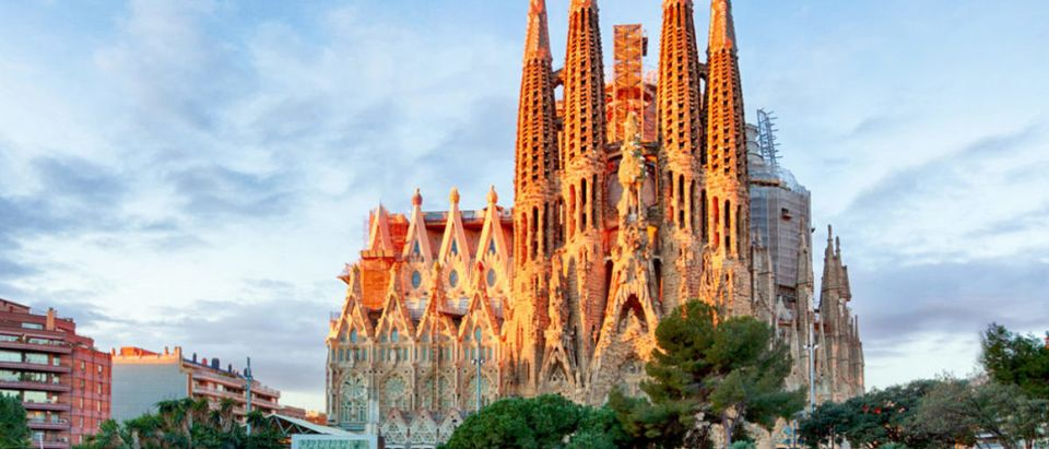 BARCELONA, SPAIN - FEBRUARY 10: La Sagrada Familia - the impressive cathedral designed by Gaudi, which is being build since 19 March 1882 and is not finished yet February 10, 2016 in Barcelona, Spain (TTstudio/shutterstock_580489630)