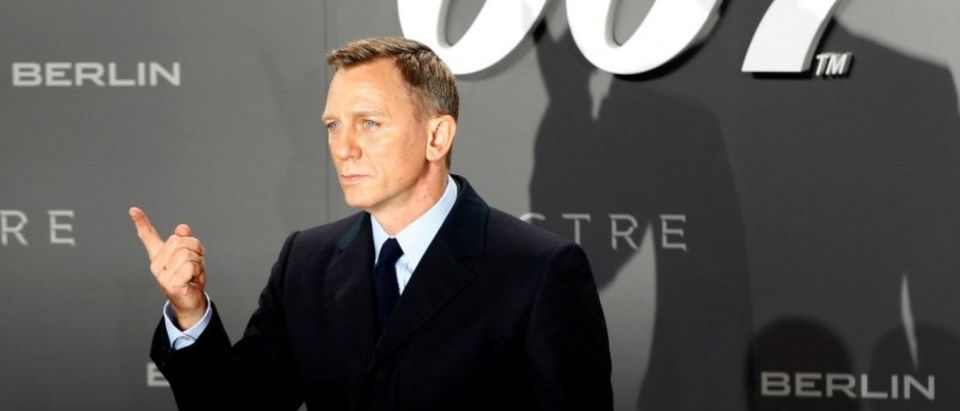 "FILE PHOTO: Actor Craig poses for photographers on the red carpet at the German premiere of the new James Bond 007 film ""Spectre"" in Berlin"