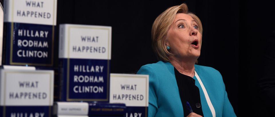 US-POLITICS-CLINTON-BOOK-SIGNING