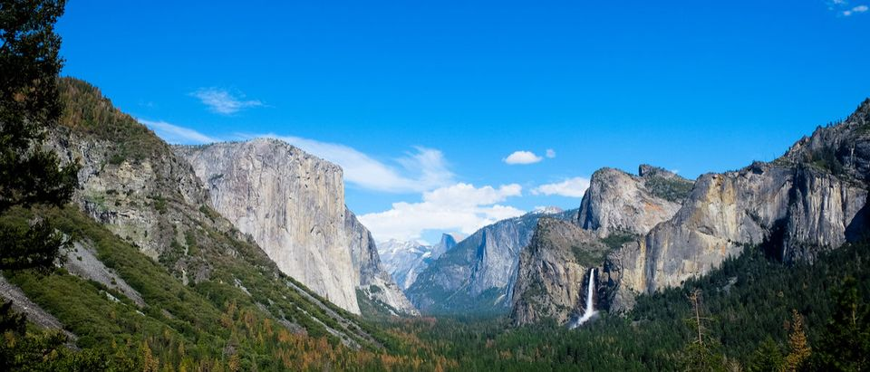 Breath taking Panoramic view of El Capitan and Bridalveil Fall at Tunnel View , Mariposa County, Yosemite National Park in the western Sierra Nevada mountains. December35 (Shutterstock)
