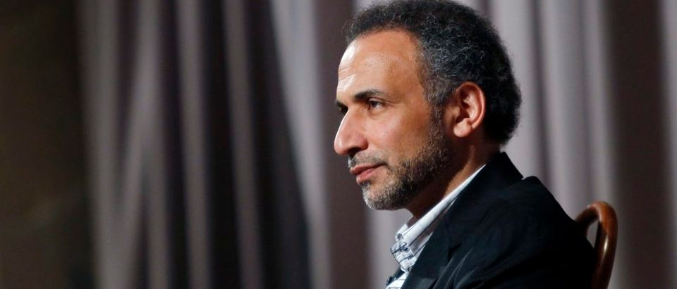 Author Tariq Ramadan is seen during an interview with Reuters in New York April 8, 2010. Ramadan, a Swiss citizen of Egyptian origin who was born in Switzerland, has written extensively on Western Muslims and on Islam. He is president of the thinktank European Muslim Network in Brussels and teaches at Britain's Oxford University. REUTERS/Mike Segar