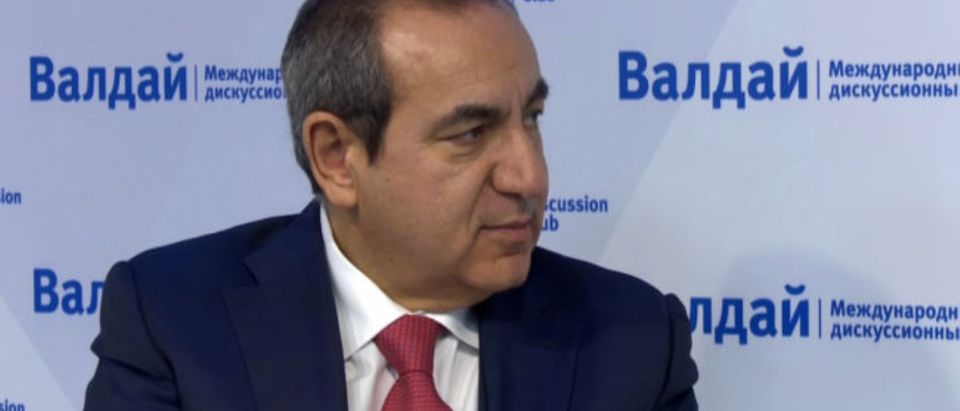 Joseph Mifsud is pictured at a Valdai Discussion Club event, May 2016. (Photo: Screenshot/Valdai Club/YouTube)